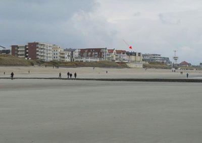 wangerooge-strandpromenade-pfeil